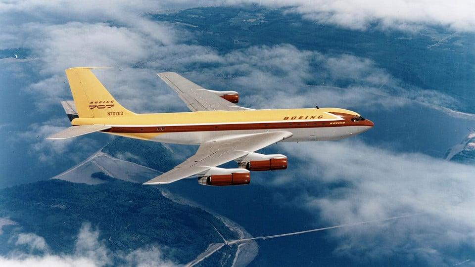 Boeing 707 เครื่องบินพาณิชย์สมัยใหม่รุ่นแรกๆ ของบริษัท