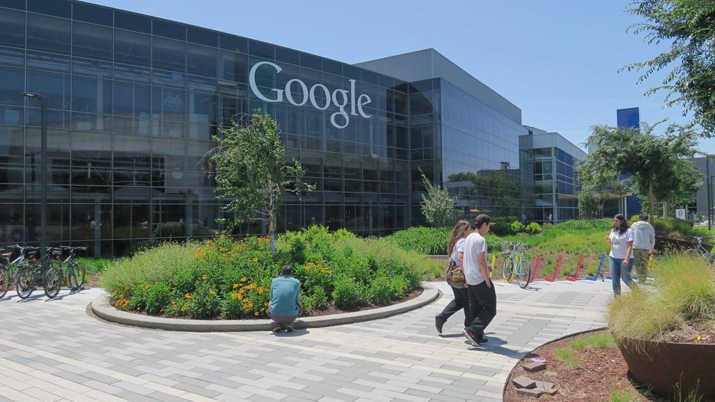 Googleplex สำนักงานใหญ่ของกูเกิลที่ Mountain View