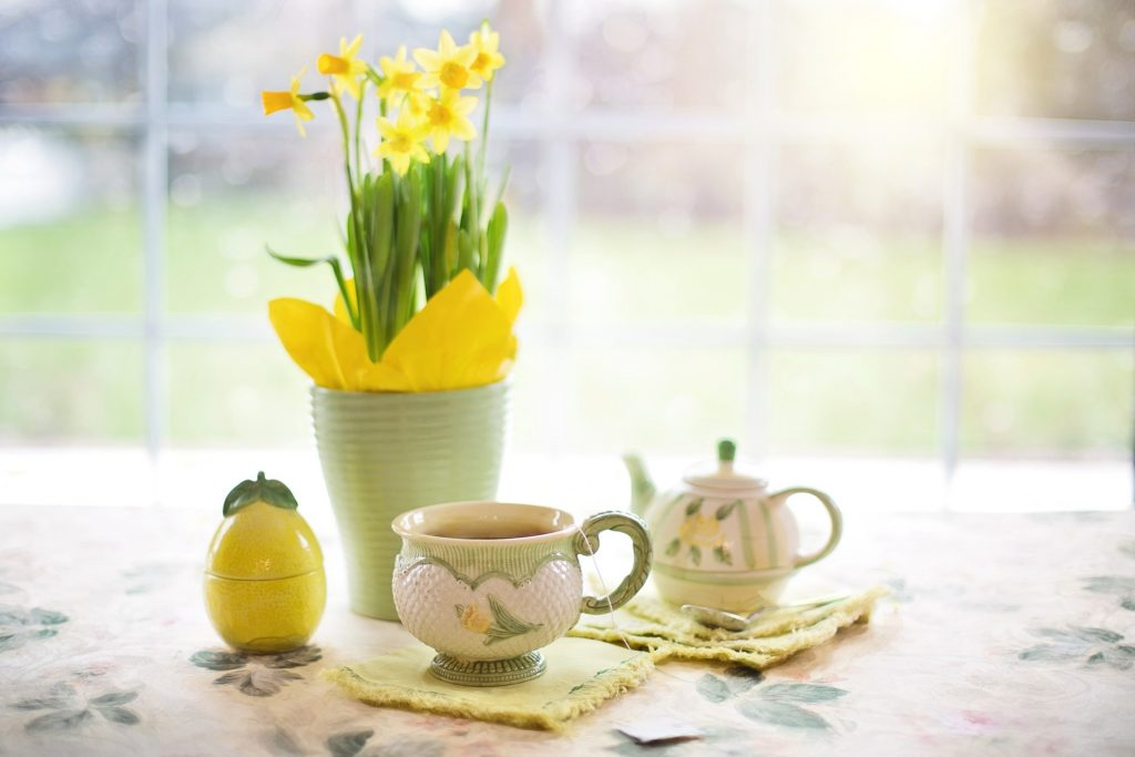 daffodils-1316127_1920