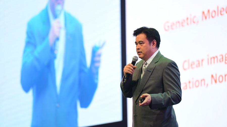 คุณบุรณัชย์ ลิมจิตติ Senior Vice President - International Marketing, Advertising and Public Relations บริษัท กรุงเทพดุสิต เวชการ จำกัด (มหาชน)