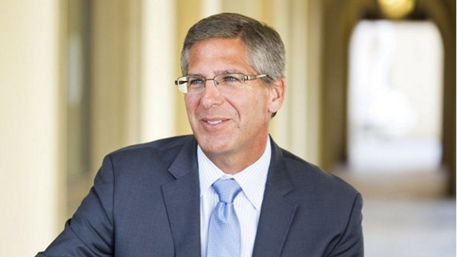 Bob Moritz ผู้บริหารของPwC
