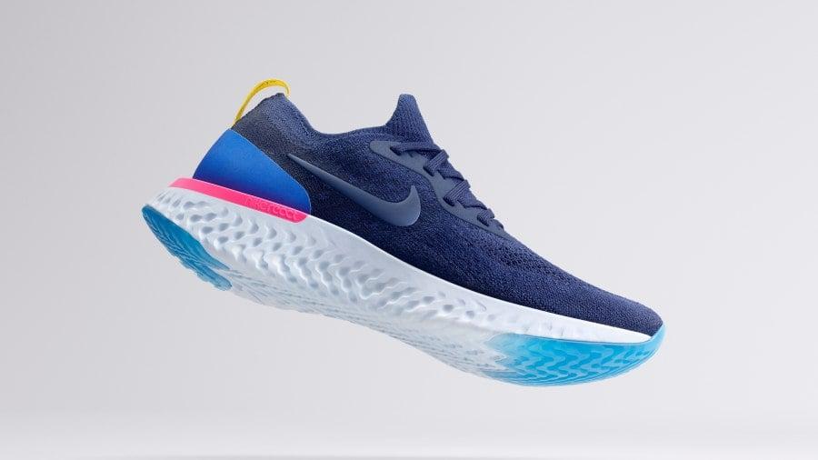 Nike React สีน้ำเงิน พื้นขาว Hero Blue