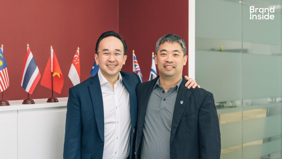 ซ้าย-Chandra Tjan ผู้ร่วมก่อตั้งบริษัทลงทุน Alpha JWC ขวา-Jerry Tso หัวหน้าฝ่ายพัฒนาของ Paypal สิงคโปร์