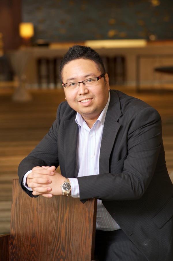 คุณต้น สกลกรย์ สระกวี ผู้ก่อตั้งและซีอีโอของบริษัท Bitkub Online Co., Ltd.