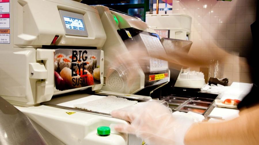 ร้านซูชิที่นำเอาหุ่นยนต์เข้ามาทำอาหารร่วมด้วย Big Eye Sushi