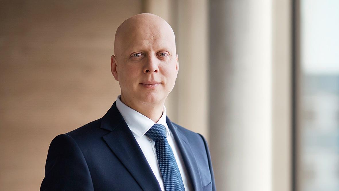 Dr. Claus Kroll-Schluter Director Group Marketing Communication