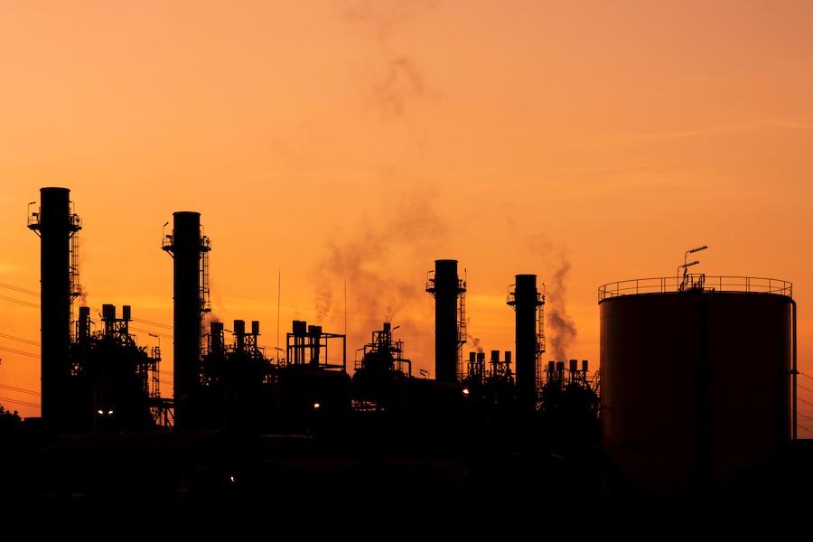 Oil and Gas น้ำมัน พลังงาน โรงกลั่น