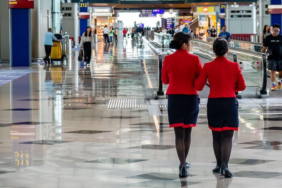 Hong Kong Airlines Crew พนักงาน ฮ่องกงแอร์ไลน์