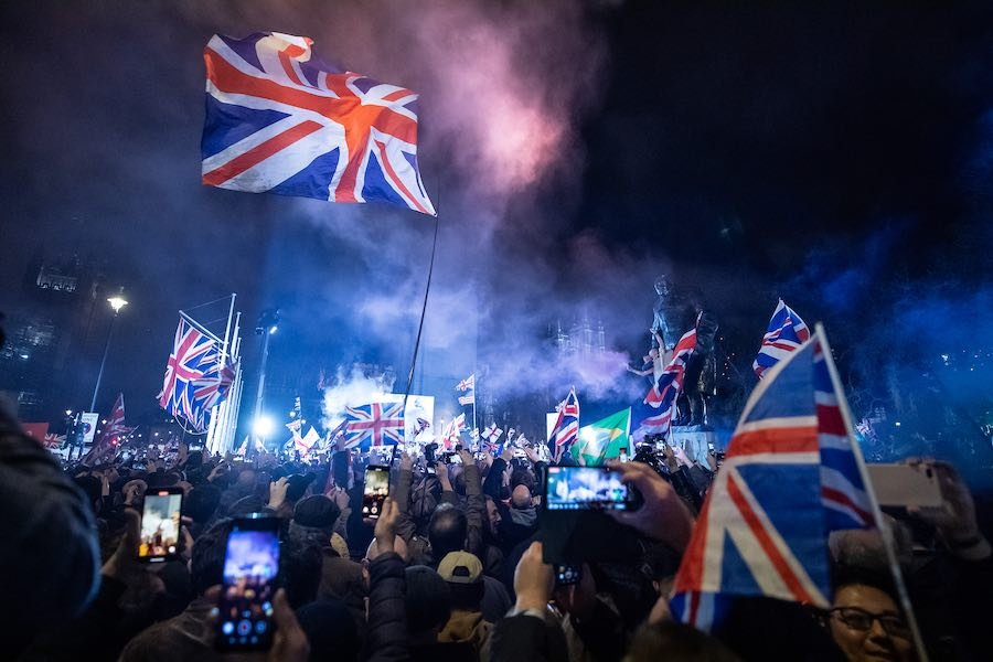 Pro Brexit supporters celebrates