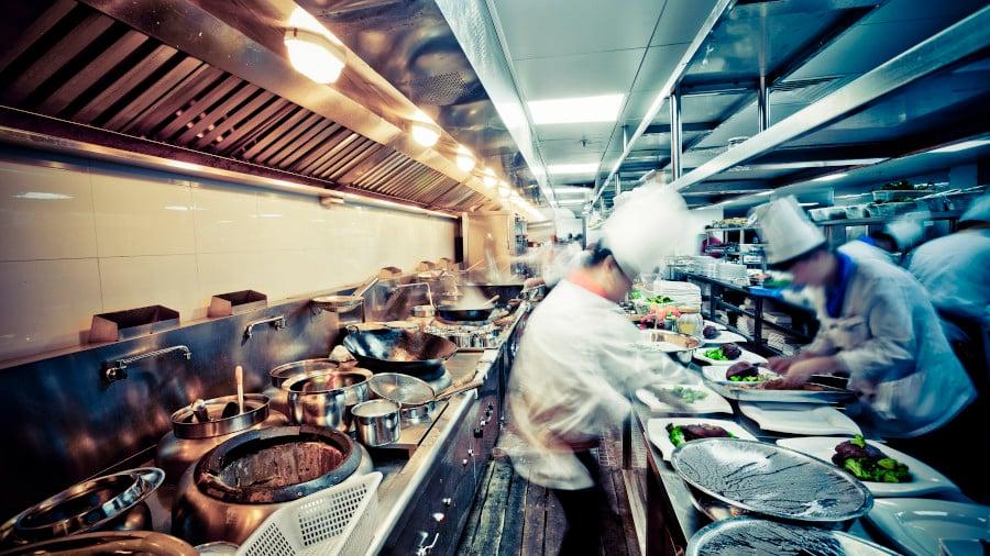 วิกฤตไวรัสกับธุรกิจร้านอาหาร ต่อให้รอดก็ไม่กลับมาเหมือนเดิม | Brand Inside