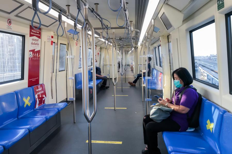 Bangkok MRT COVID-19 Social Distancing รถไฟฟ้าใต้ดิน
