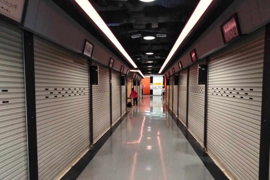 Bangkok Store Mall Closing COVID-19