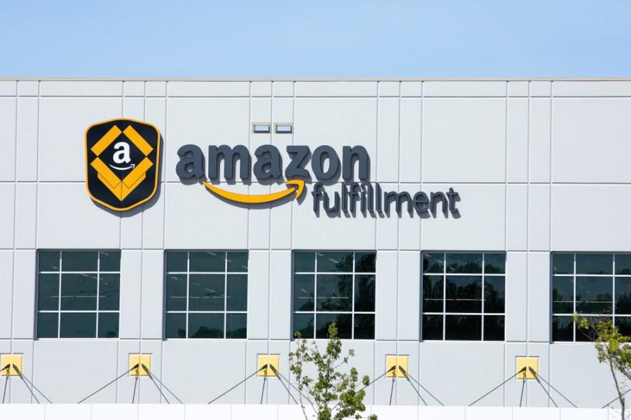 Amazon Fulfillment ศูนย์คัดแยกสินค้าแอมะซอน