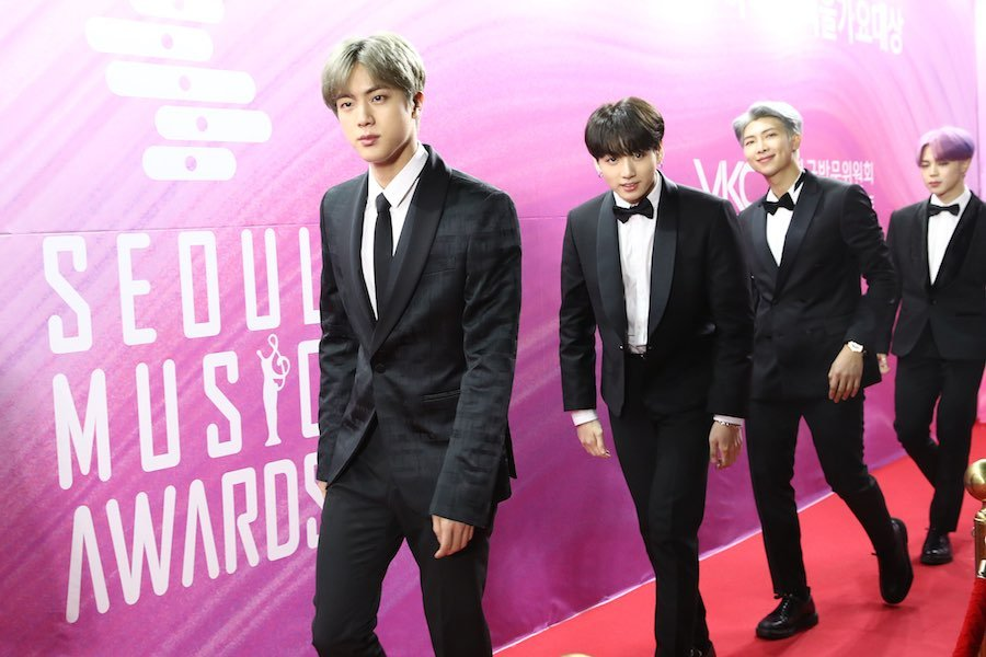 BTS บีทีเอส เกาหลีใต้