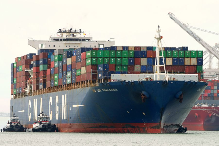 Shipping Container เรือขนส่งสินค้า
