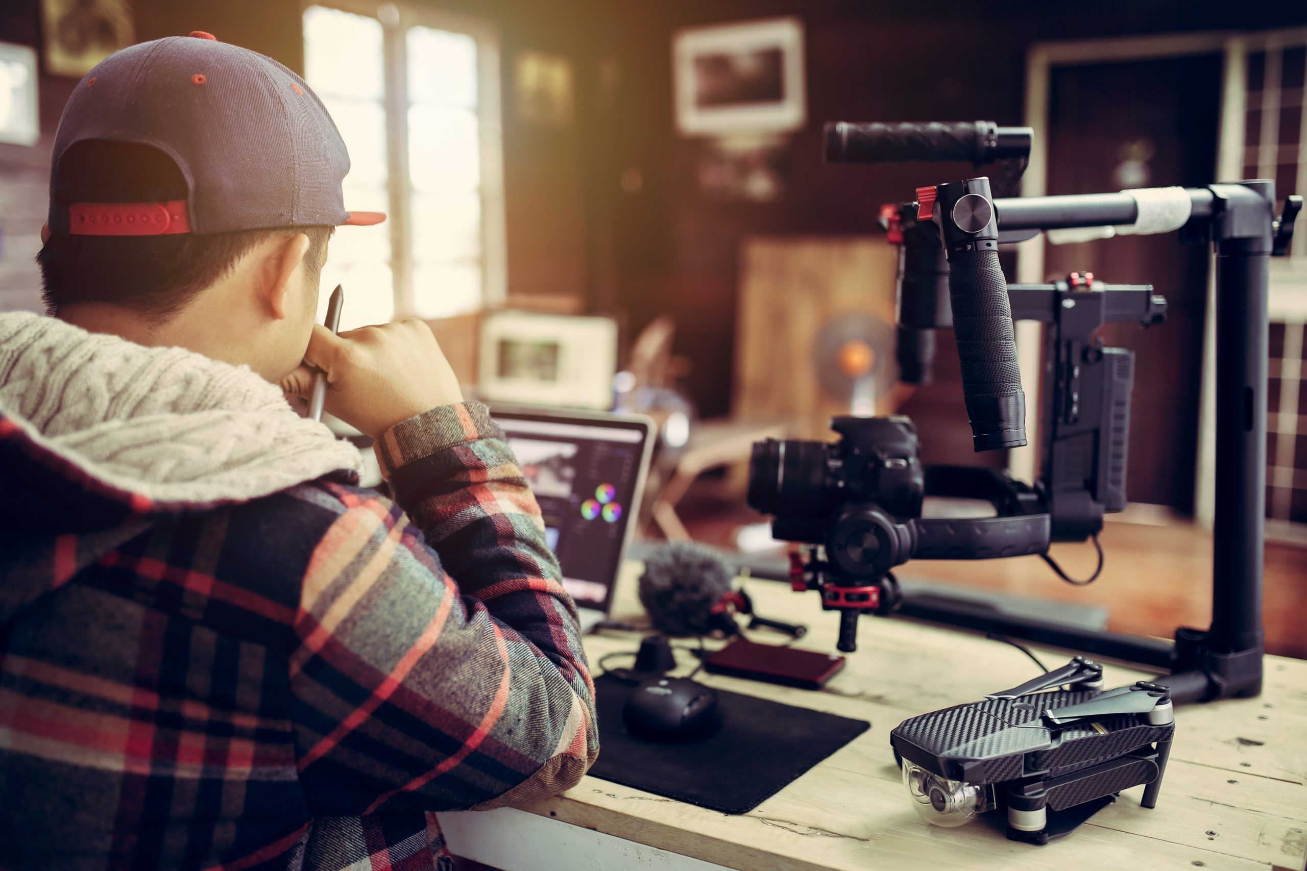 Content Creator ทำงานอย่างไรไม่ให้เครียด | Brand Inside